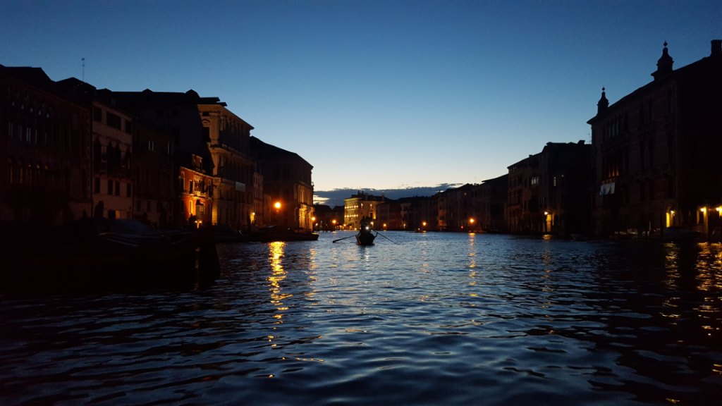 RV Vogata di Sera Evening Row Grand Canal